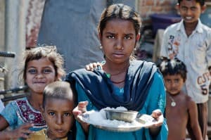 Deonar Rubbish Dump Girl Mumbai India 0009 960x638